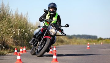 Comment bien choisir sa moto-école ?